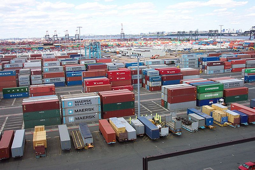shipping containers port